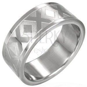 Stalowy obrączka srebrnego koloru ze wzorem X, 8 mm obraz