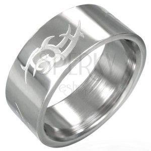Stalowy pierścień lśniący, matowy symbol Tribal obraz