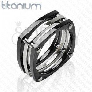 Pierścień z tytanu - trzy kwadraty połączone nitami obraz