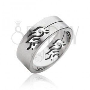 Stalowy pierścień symbol Tribal obraz