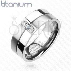 Tytanowy pierścionek - błyszczące i matowe pasy, cyrkonie obraz