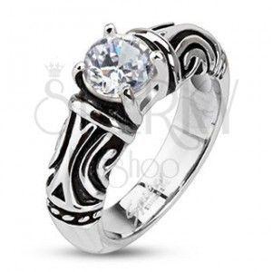 Stalowy, ozdobny, patynowany pierścień z cyrkonią obraz