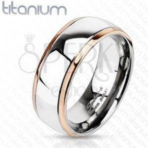 Tytanowy pierścionek z krawędziami miedzianego koloru i środkiem srebrnego koloru obraz