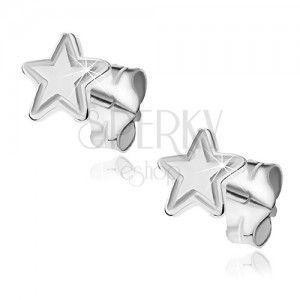 Kolczyki srebrne wkrętki 925 - pięcioramienna gwiazda z grawerem obraz