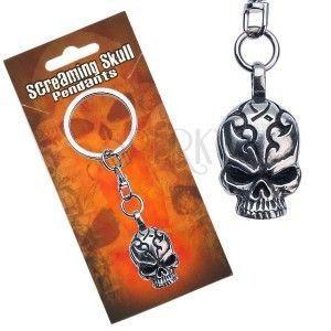 Zawieszka do kluczy metalowa, czaszka z wyrytymi ornamentami obraz