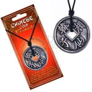 Naszyjnik z zawieszką, moneta, znaki chińskie i gładki brzeg obraz