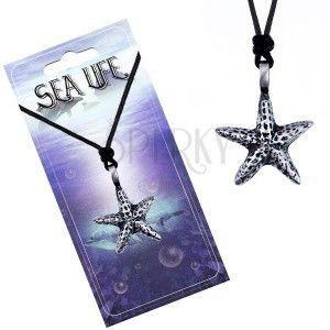 Sznurek i metalowa zawieszka - morska rozgwiazda z plamkami obraz
