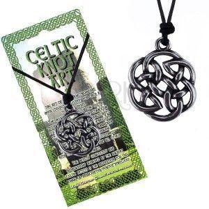 Czarny sznurek na szyję i lśniąca metalowa zawieszka, węzeł celtycki kwiat obraz