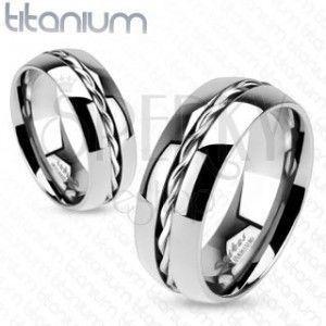 Tytanowy pierścionek - srebrna obrączka, zakręcony drucik pośrodku obraz