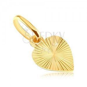 Płaski wisiorek ze złota 14K - pełne serce z wygrawerowanymi promieniami obraz