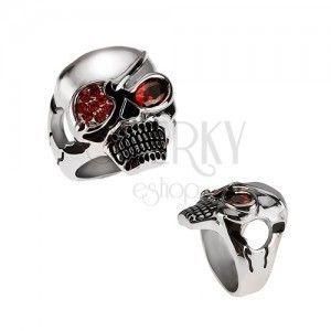Masywny stalowy pierścień, czaszka z piracką opaską, czerwone cyrkonie obraz