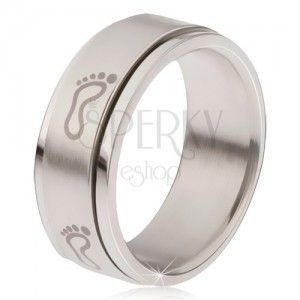 Stalowy pierścionek - obracająca się matowa obręcz, nadruk w postaci śladów stóp obraz