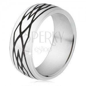 Stalowy pierścionek, czarne nacięcia, wzór z elips i rombów obraz