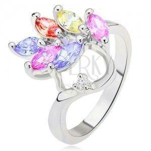 Lśniący pierścionek - kolorowe cyrkonie ziarenka - liść, przezroczysty kamyczek obraz