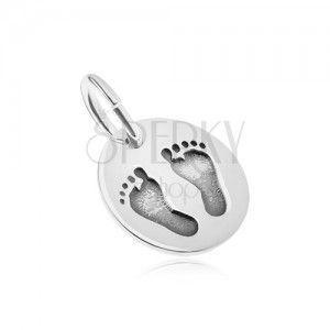 Srebrny wisiorek 925, owalny kształt, lustrzany połysk, odbicia stóp obraz