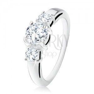 Srebrny pierścionek 925, trzy okrągłe przezroczyste kamyczki, rozdwojone ramiona obraz