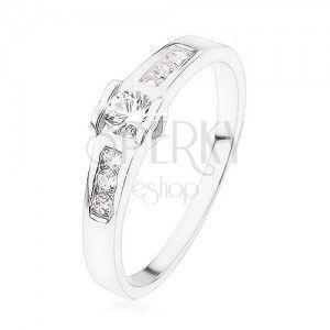 Zaręczynowy pierścionek ze srebra 925, okrągła przejrzysta cyrkonia, serduszka, cyrkoniowy pas obraz