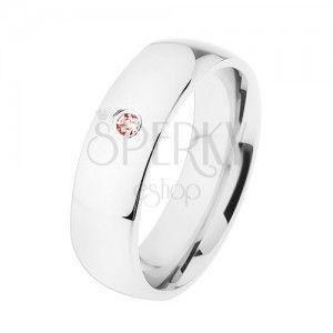 Szeroka stalowa obrączka, srebrny kolor, wysoki połysk, różowa cyrkonia obraz