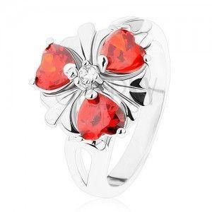 Pierścionek srebrnego odcieniu, kwiat z pomarańczowymi cyrkoniowymi serduszkami obraz