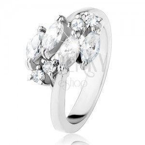 Błyszczący pierścionek w srebrnym odcieniu, okrągłe i ziarenkowe cyrkonie bezbarwnego koloru obraz