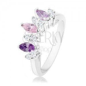Pierścionek srebrnego koloru, ziarenka w odcieniach fioletowego, różowego i bezbarwnego koloru obraz