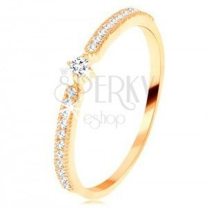 Złoty pierścionek 585 - okrągła przezroczysta cyrkonia, cienkie cyrkoniowe linie po bokach obraz