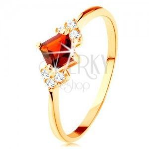 Błyszczący pierścionek z żółtego 14K złota - czerwony kwadratowy granat, przezroczyste cyrkonie obraz