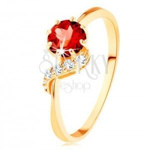 Złoty pierścionek 585 - okrągły granat czerwonego koloru, błyszcząca fala obraz