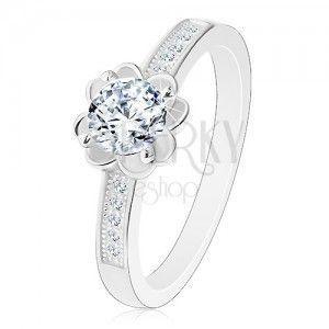 Srebrny zaręczynowy pierścionek 925, przezroczysty błyszczący kwiatek, ozdobione ramiona obraz