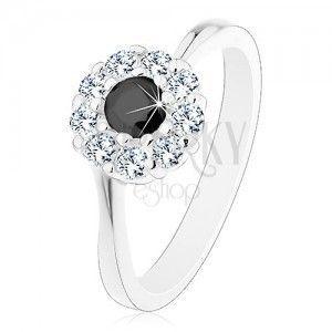 Lśniący pierścionek w srebrnym odcieniu, cyrkoniowy kwiatek z czarnym środkiem obraz