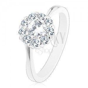 Lśniący pierścionek w srebrnym odcieniu, połyskliwy przezroczysty cyrkoniowy kwiatek obraz