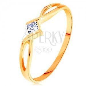 Złoty pierścionek 585 - przeplecione rozdwojone ramiona, przezroczysty cyrkoniowy kwadrat obraz