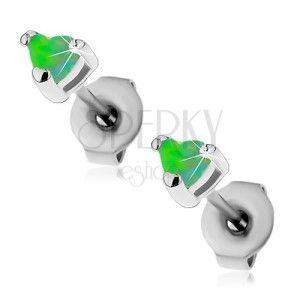 Stalowe kolczyki srebrnego koloru, serduszka zielonego koloru z syntetycznego opalu, 3 mm obraz