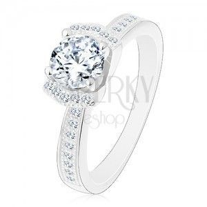 Zaręczynowy srebrny pierścionek 925, błyszcząca bezbarwna cyrkonia, dwa lśniące łuki obraz