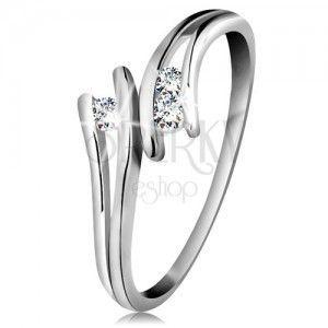 Diamentowy złoty pierścionek 585, trzy błyszczące bezbarwne brylanty, rozdzielone ramionami, białe złoto obraz