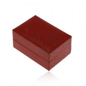 Upominkowe pudełeczko na pierścionek lub kolczyki, ciemnoczerwony kolor, nacięcia obraz