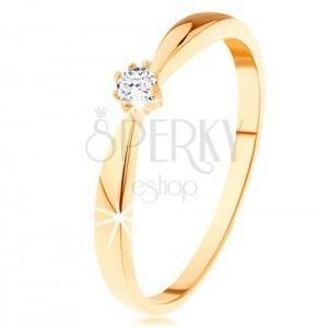 Pierścionek z żółtego 585 złota - zaokrąglone ramiona, okrągły diament bezbarwnego koloru obraz