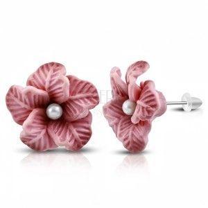 FIMO kolczyki, staroróżowy kwiatek z białą perełką w środku obraz