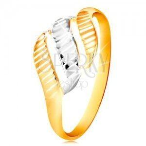 Złoty pierścionek 585 - trzy fale z żółtego i białego złota, lśniące nacięcia obraz