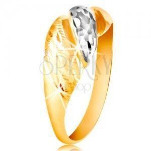 Złoty pierścionek 585 - wypukłe paski żółtego i białego złota, lśniące rowki obraz