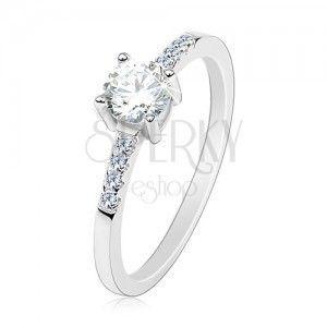 Srebrny pierścionek 925, cienkie ramiona, okrągła bezbarwna cyrkonia, błyszczące linie obraz