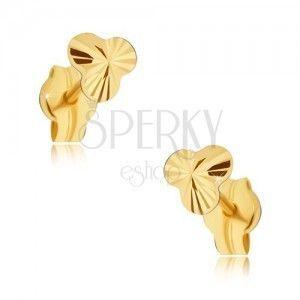 Złote kolczyki 585 - drobna lśniąca trójlistna koniczynka z promienistymi rowkami obraz