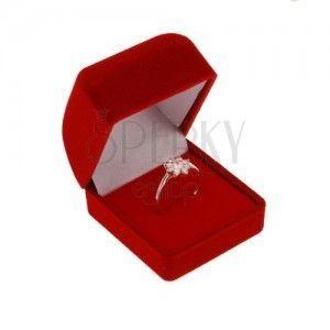 Pudełeczko z aksamitu na pierścionek lub kolczyki, czerwony kolor, ścięta górna część obraz