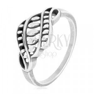Srebrny pierścionek 925 - wąskie ramiona, rzeźbiony ornament z ziarenkami i patyną obraz