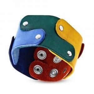 Skórzana bransoletka - kolorowe puzzle połączone nitami, motyw PRIDE obraz