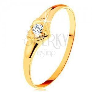 Diamentowy złoty pierścionek 585 - błyszczące serduszko z osadzonym okrągłym brylantem obraz