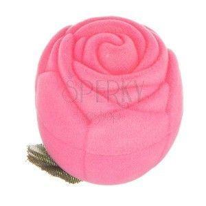 Aksamitne pudełeczko na pierścionek - różowa róża z listkami obraz