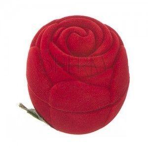 Aksamitne pudełeczko na pierścionek - czerwona róża z listkami obraz