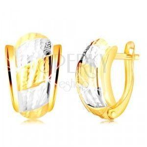 Kolczyki z 14-karatowego złota - asymetryczny łuk z paskami i ozdobnymi wycięciami obraz