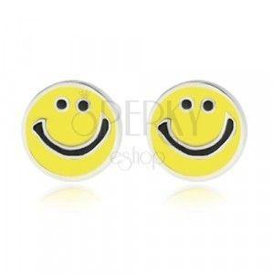 Srebrne kolczyki 925 - uśmiechnięta buźka ozdobiona żółtym szkliwem, sztyfty obraz